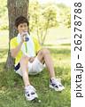 スポーツドリンクを飲む男性 26278788