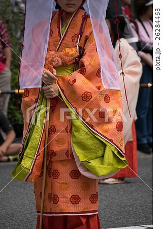 鎌倉時代の女性の服装 26284463