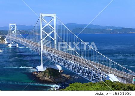 大鳴門橋と鳴門海峡 26351956