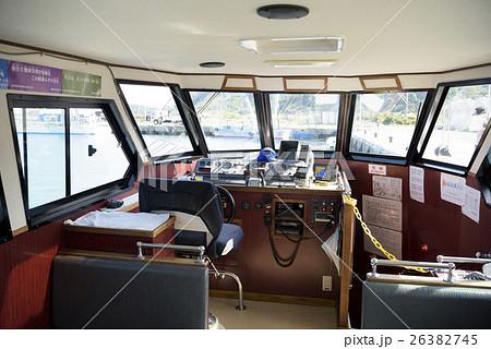 クルーザーの操舵室 26382745