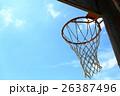 バスケットボールゴールと青空 26387496