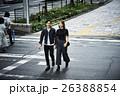 街を歩くカップル 26388854