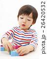 積み木で遊ぶ男の子 26420532