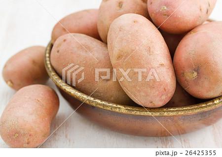 raw potato in dishの写真素材 [26425355] - PIXTA