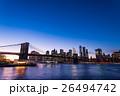 ブルックリン橋とニューヨークの夜景 26494742