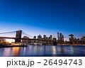 ブルックリン橋とニューヨークの夜景 26494743