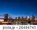 ブルックリン橋とニューヨークの夜景 26494745