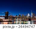 ブルックリン橋とニューヨークの夜景 26494747
