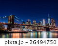 ブルックリン橋とニューヨークの夜景 26494750