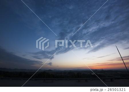 日の出前の空模様 (兵庫県加古川市) 26501321