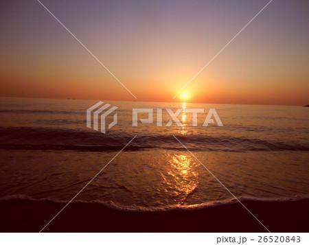 稲毛海岸の美しい夕日 26520843