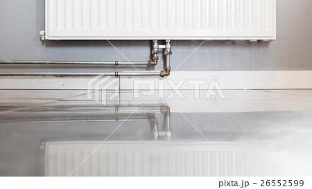 Heating radiator with reflectionの写真素材 [26552599] - PIXTA