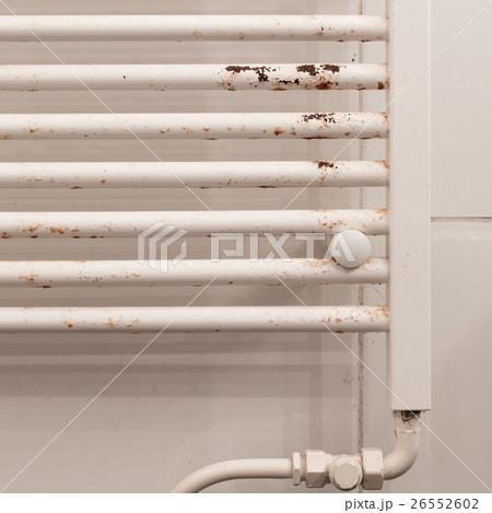 Rusty household cast iron radiatorの写真素材 [26552602] - PIXTA