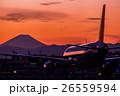 富士山と飛行機のシルエット 26559594