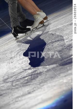 フィギュアスケートのペア 26669954