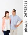 親子イメージ シニア男性・ミドル女性 26752911