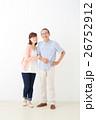 親子イメージ シニア男性・ミドル女性 26752912