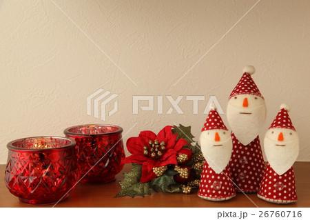 クリスマスイメージ  キャンドル ポインセチア 飾棚 インテリア 26760716