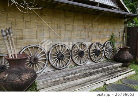 木製車輪(沖縄東南植物楽園) 26796652