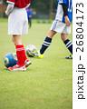 サッカー サッカーボール 芝生の写真 26804173