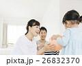 家族 子育て 風船の写真 26832370