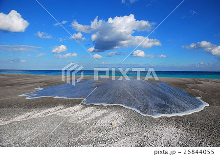 新島の海岸 26844055