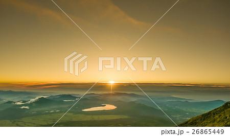 朝の太陽 26865449