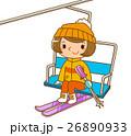 リフトに乗る女性 26890933