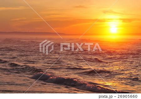 オホーツク海の夕日 26905660
