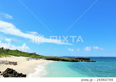 沖縄 宮古島の青空と青い海 26960799
