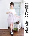 若い女性 ファッション ポートレート 27005594
