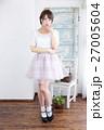 若い女性 ファッション ポートレート 27005604
