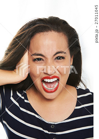young woman screaming 27011045