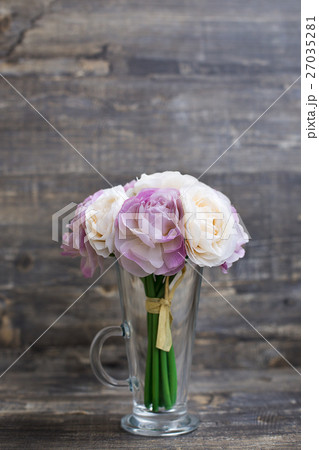 Artificial flower bouquet in vaseの写真素材 [27035281] - PIXTA