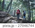カップル 山登り 27046744