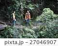 カップル 山登り 27046907