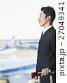 空港 出張 ビジネスマンの写真 27049341