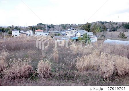 東日本大震災で被災した福島県双葉郡大熊町の誰も住んでいない住宅街 27049795