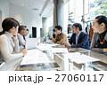 ビジネスマン ビジネスウーマン ミーティングの写真 27060117