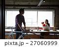男性 女性 建設業の写真 27060999