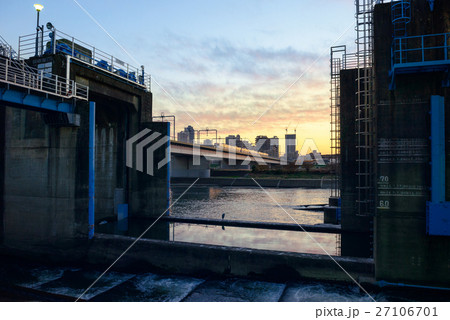 多摩川の取水場 27106701
