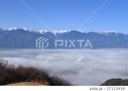 冬の安曇野 雲海に浮かぶ北アル...