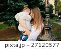お母さん 子供 おかあさんの写真 27120577