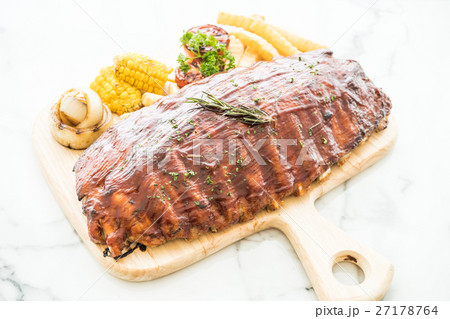 Rib barbecue 27178764