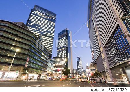 名古屋市中村区名駅 名駅通 都市風景 JPタワー前からミッドランドスクエア方面を望む 夜景 27212529