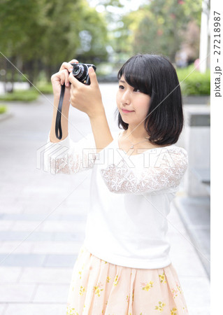 カメラ女子 27218987