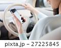 ドライブする女性 27225845