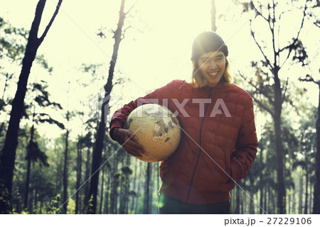 Guy Holding Globe Outdoors Conceptの写真素材 [27229106] - PIXTA