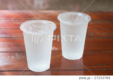 Glass of water on wooden tableの写真素材 [27253769] - PIXTA