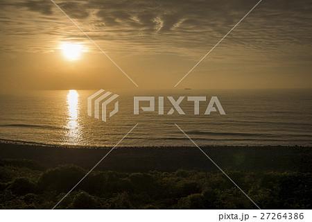 生月島から西の海と太陽 27264386